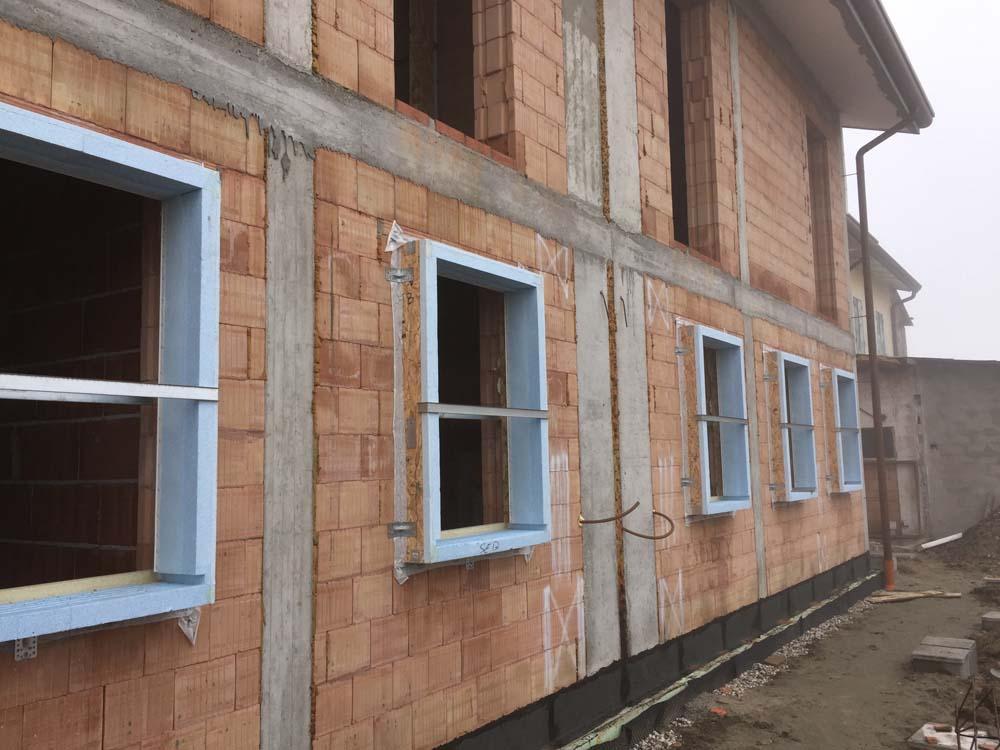 Realizzazioni sistemi monoblocco coibentati per finestre tapparelle balconi - Frangisole esterni per finestre ...